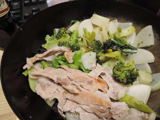 Image: 141122 大根・ブロッコリーの醤油炒め / 鶏もも肉と白菜のソテー