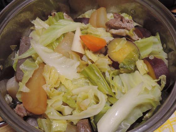 Image: 141129 大根と人参とキャベツとさつまいもの鍋物