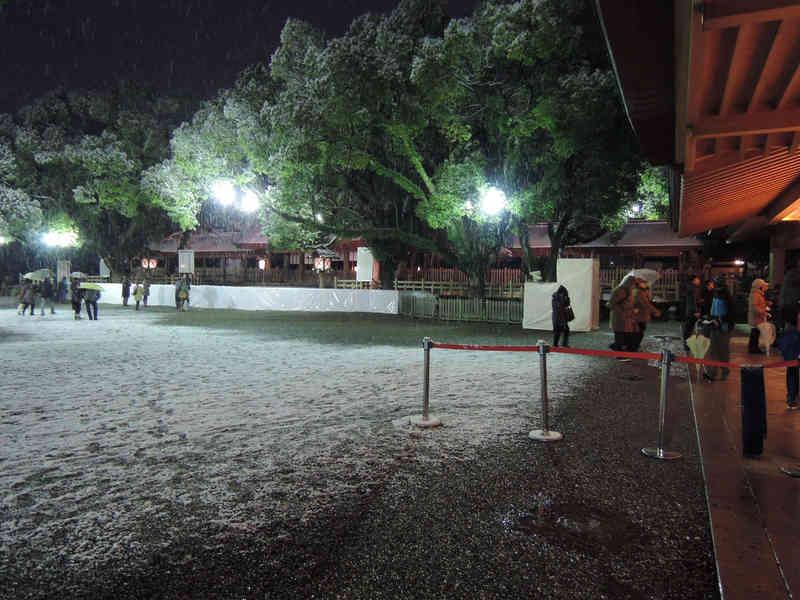 Image: 150102 熱田さんへ初詣 / 名古屋は雪一色