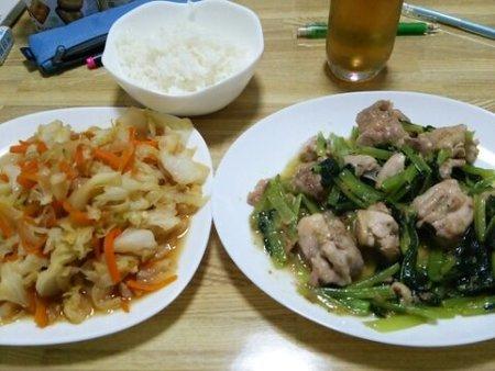 Image: 140730 鶏ももと小松菜にんにく炒め/キャベツと人参甘炒め煮 [cook]